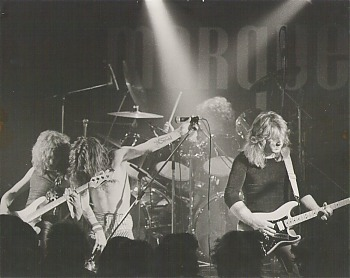 WEAPON_UK_Set_The_Stage_Alight__Bandpic.jpg